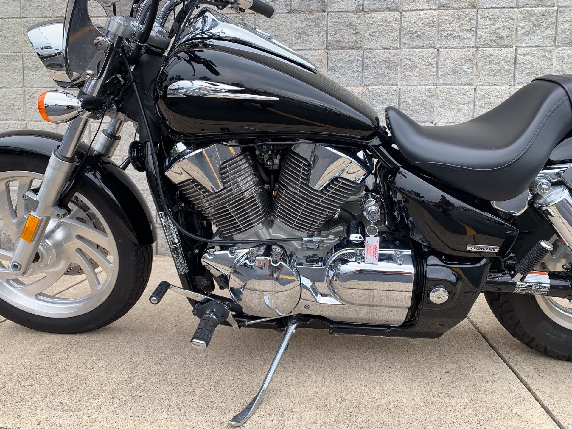 2009 Honda VTX®1300C in Monroe, Michigan - Photo 10