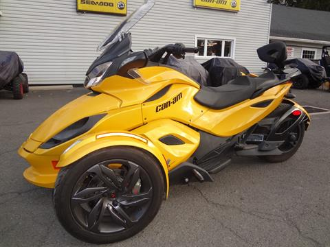 2013 Can-Am Spyder® ST-S SE5 in New Britain, Pennsylvania