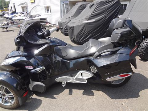 2010 Can-Am Spyder® RT-S SE5 in New Britain, Pennsylvania - Photo 4