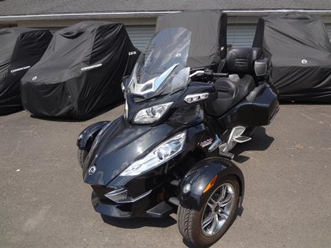 2010 Can-Am Spyder® RT-S SE5 in New Britain, Pennsylvania - Photo 5