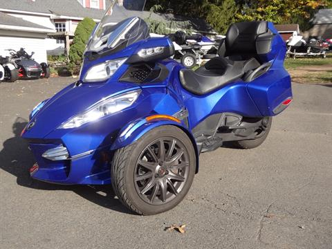 2013 Can-Am Spyder® RT-S SE5 in New Britain, Pennsylvania