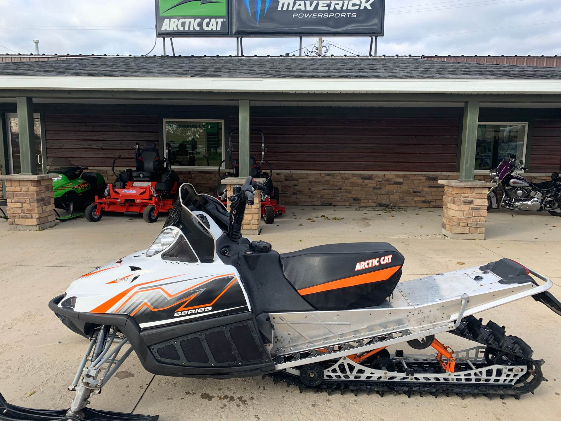 "2010 Arctic Cat M8 H.O. Sno Pro® 153"" in Independence, Iowa - Photo 1"