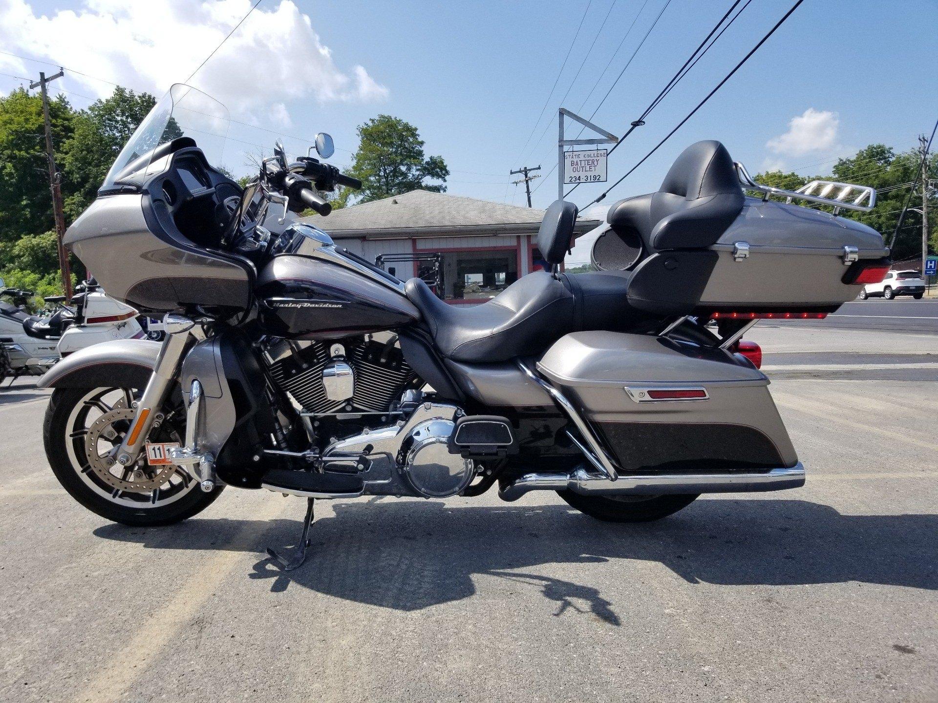 2016 Harley-Davidson Road Glide® Ultra in Spring Mills, Pennsylvania