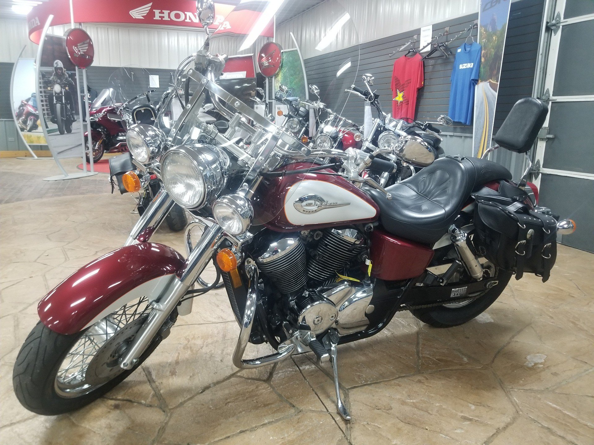 2001 Honda Shadow Ace 750 Deluxe in Spring Mills, Pennsylvania - Photo 2