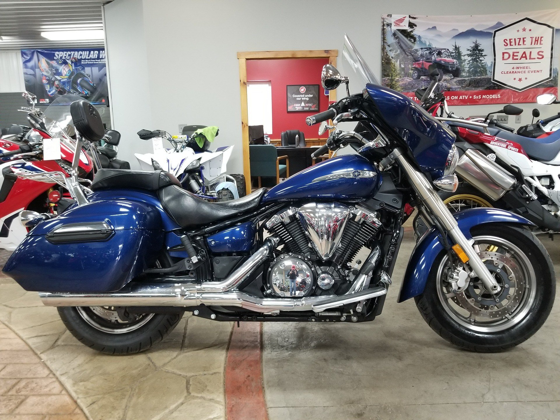 2013 Yamaha V Star 1300 Deluxe in Spring Mills, Pennsylvania - Photo 1