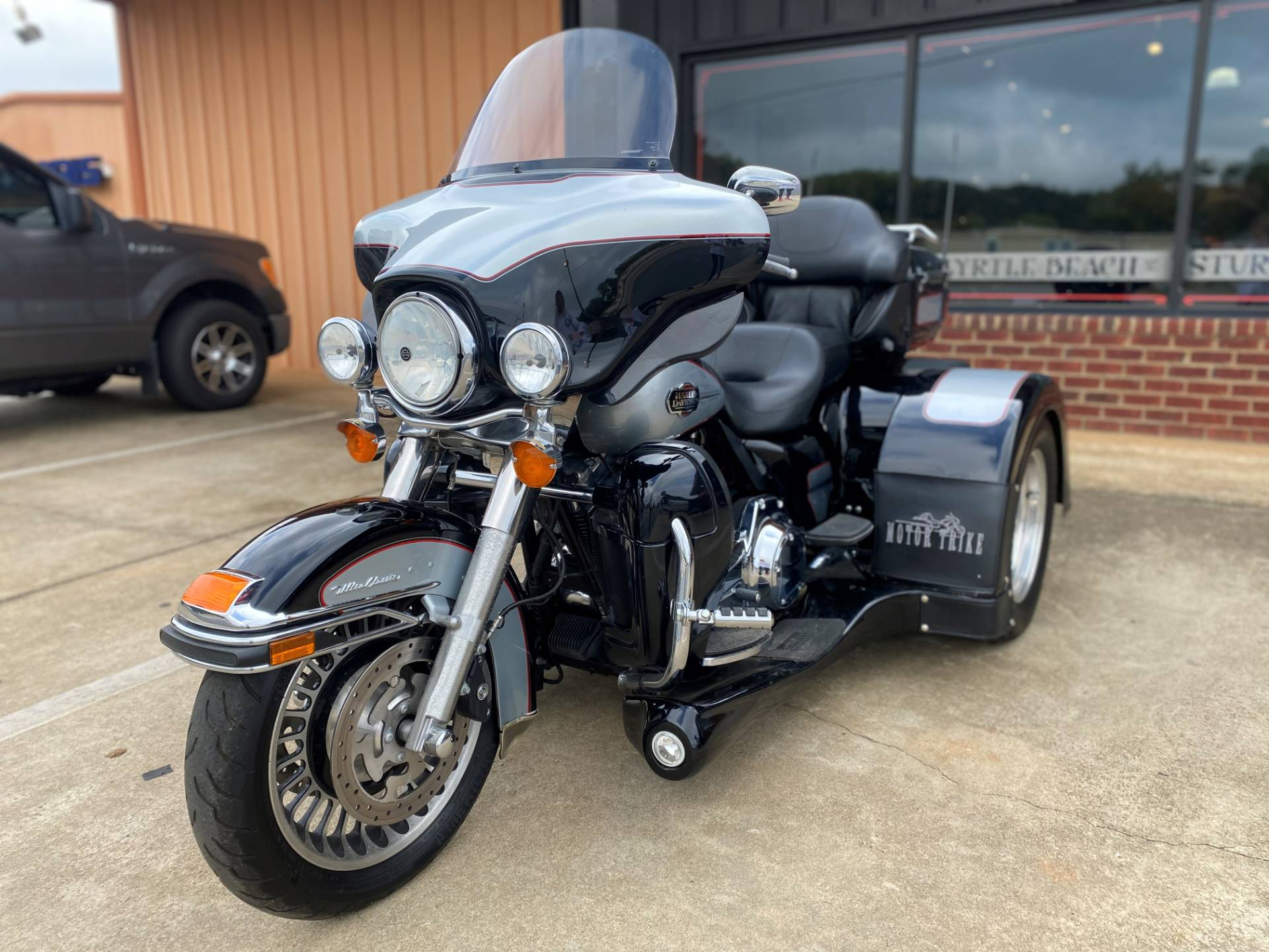 2011 Harley-Davidson Ultra Classic® Electra Glide® in Greer, South Carolina - Photo 14