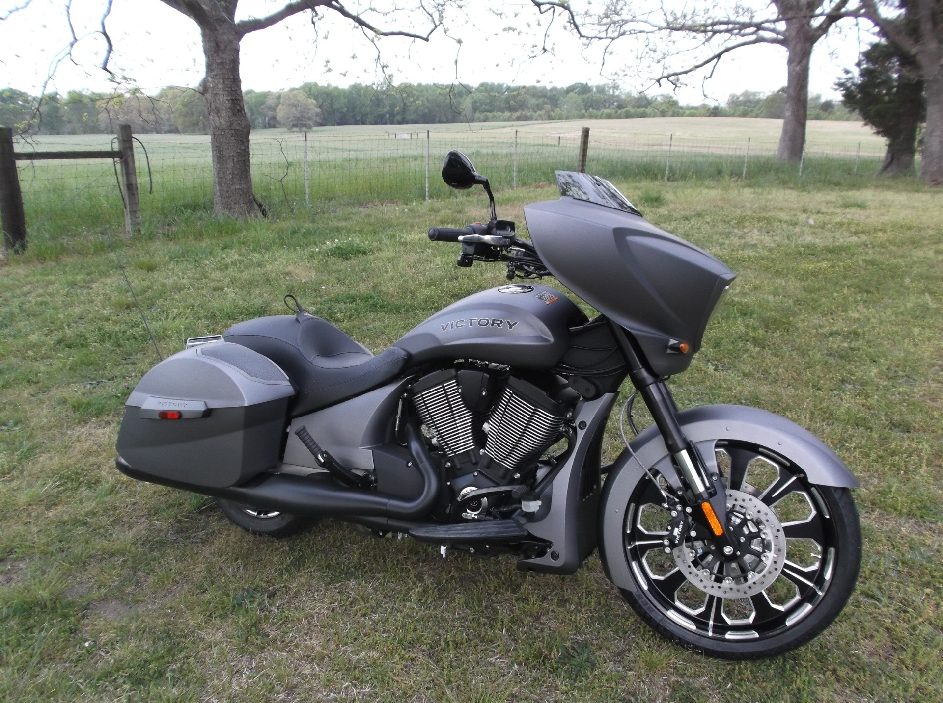 2016 Victory Magnum X-1 Stealth Edition 2