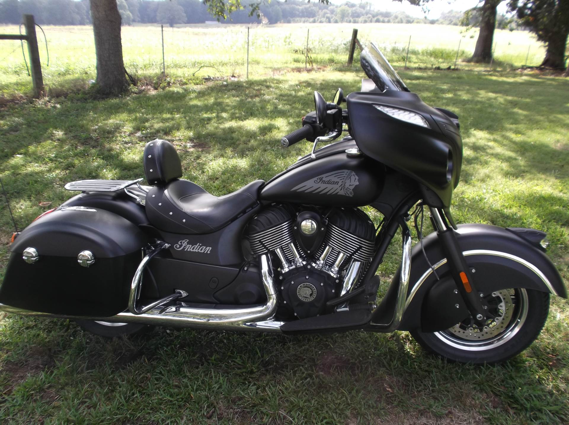 2017 Indian Chieftain Dark Horse in Greer, South Carolina
