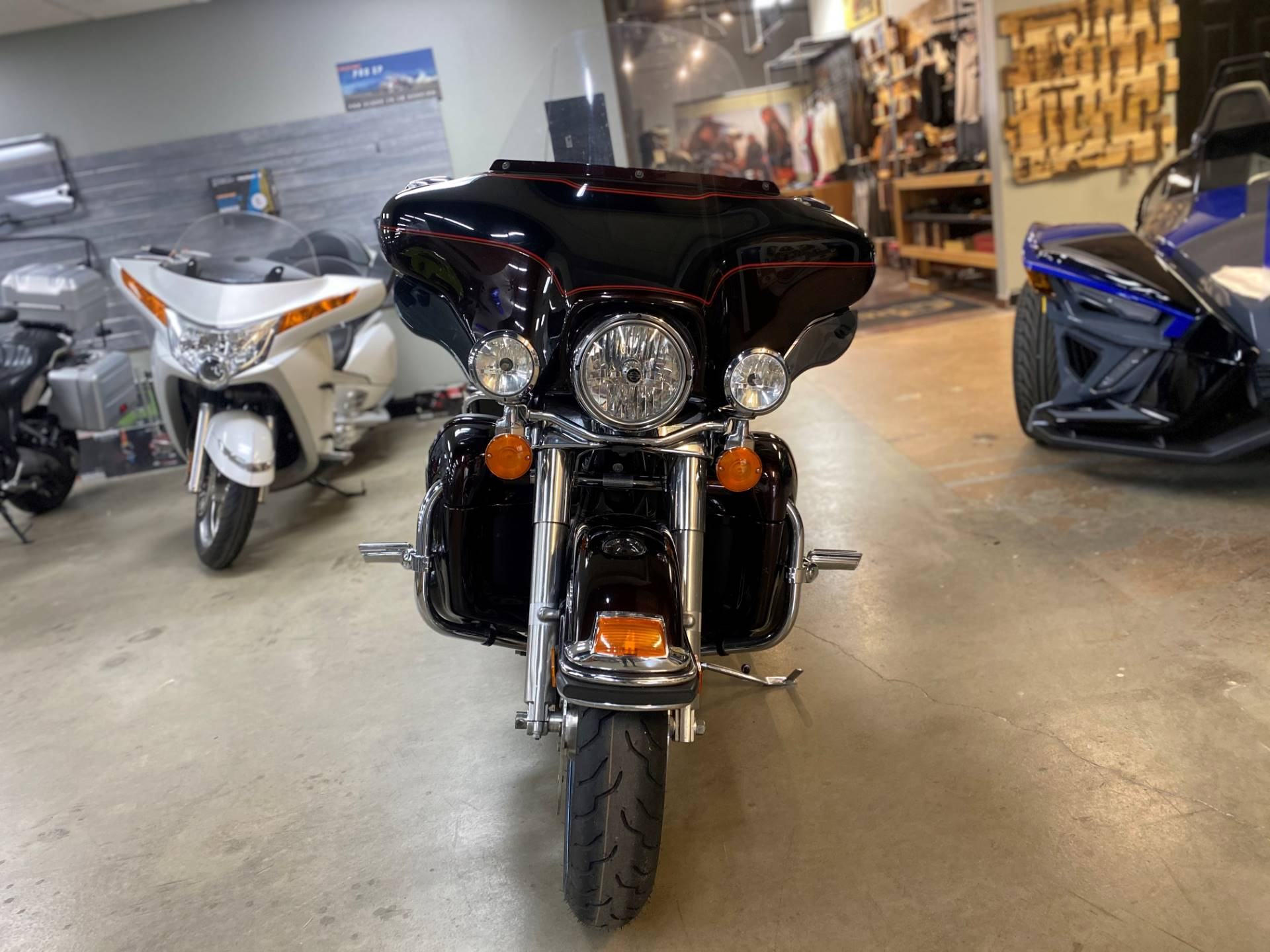 2011 Harley-Davidson Ultra Classic® Electra Glide® in Greer, South Carolina - Photo 2