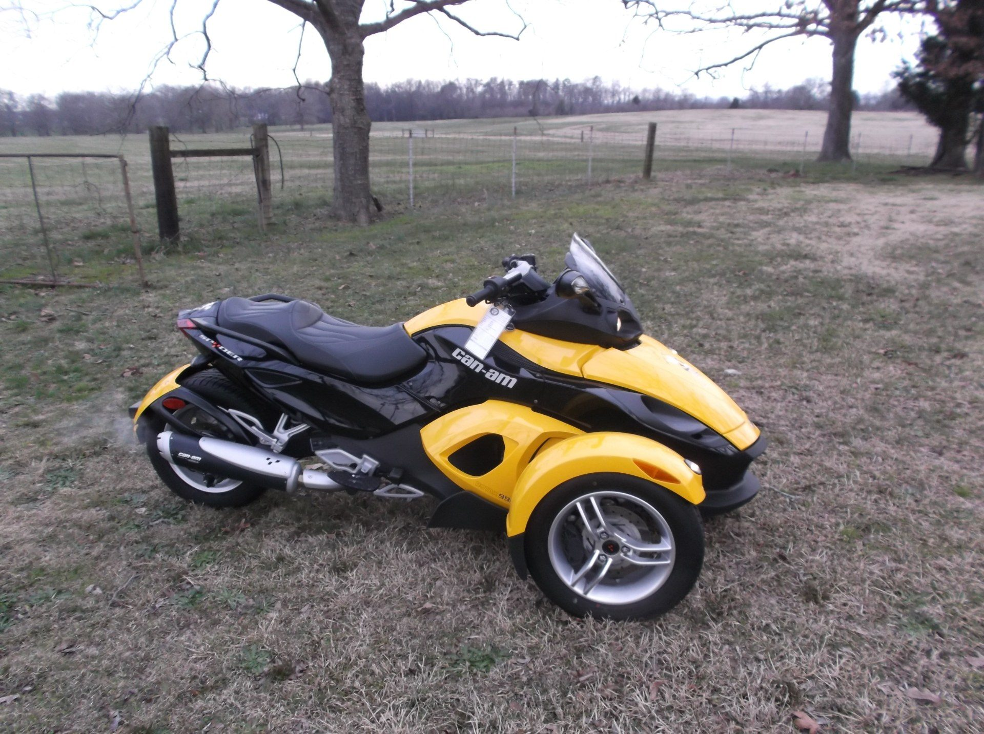 2009 Can-Am™ Spyder GS Roadster with SE5 Transmission (semi aut 2