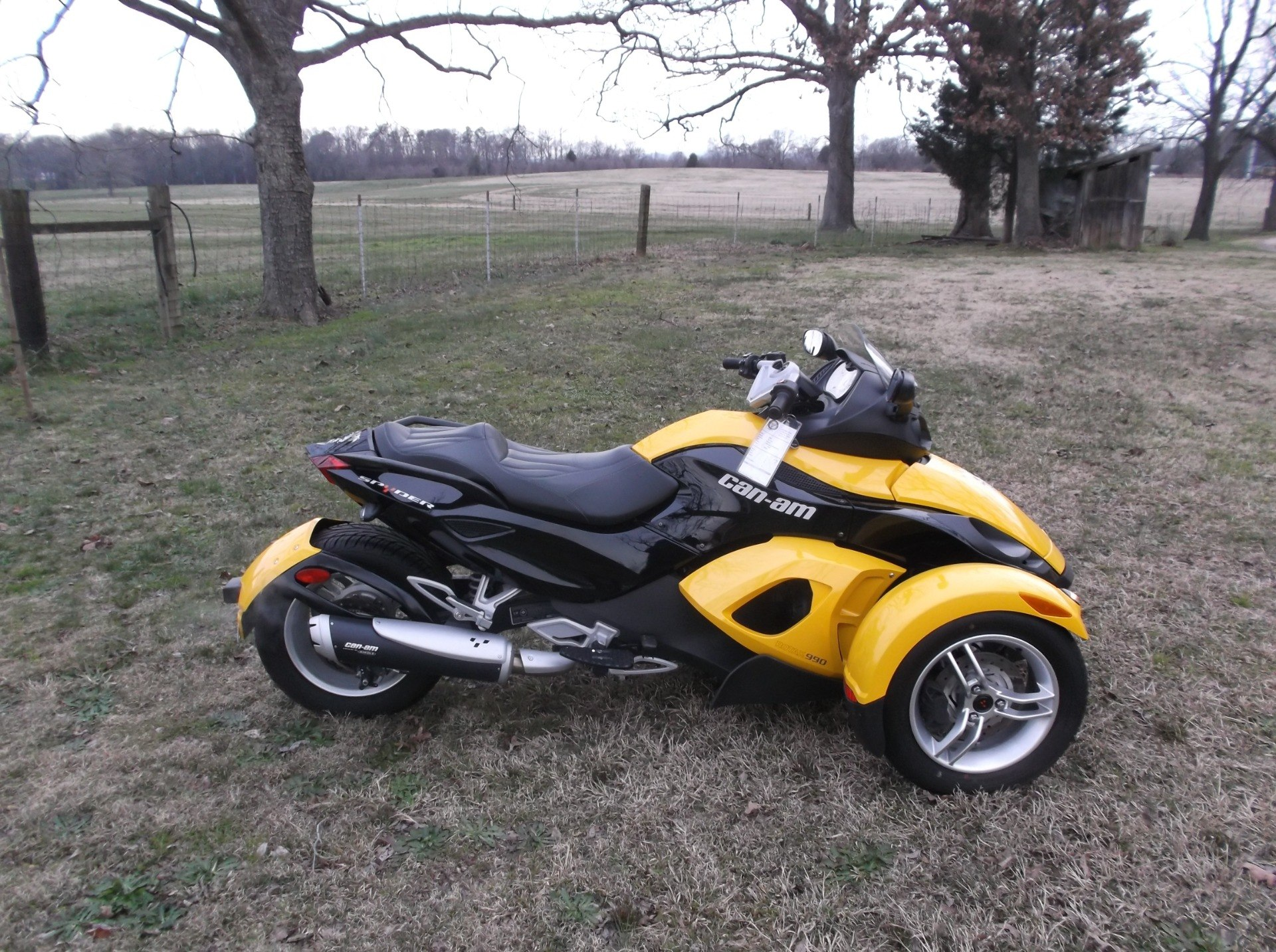 2009 Can-Am™ Spyder GS Roadster with SE5 Transmission (semi aut 4