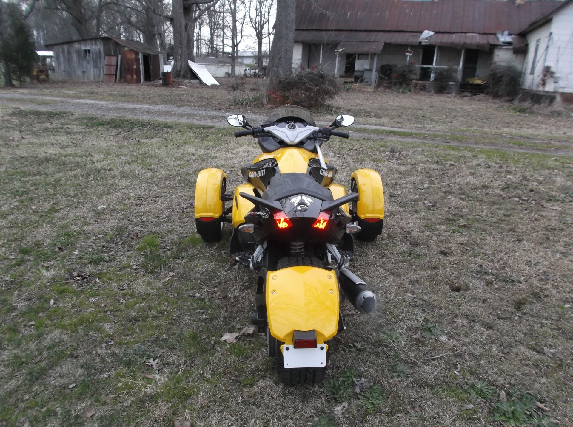 2009 Can-Am™ Spyder GS Roadster with SE5 Transmission (semi aut 8