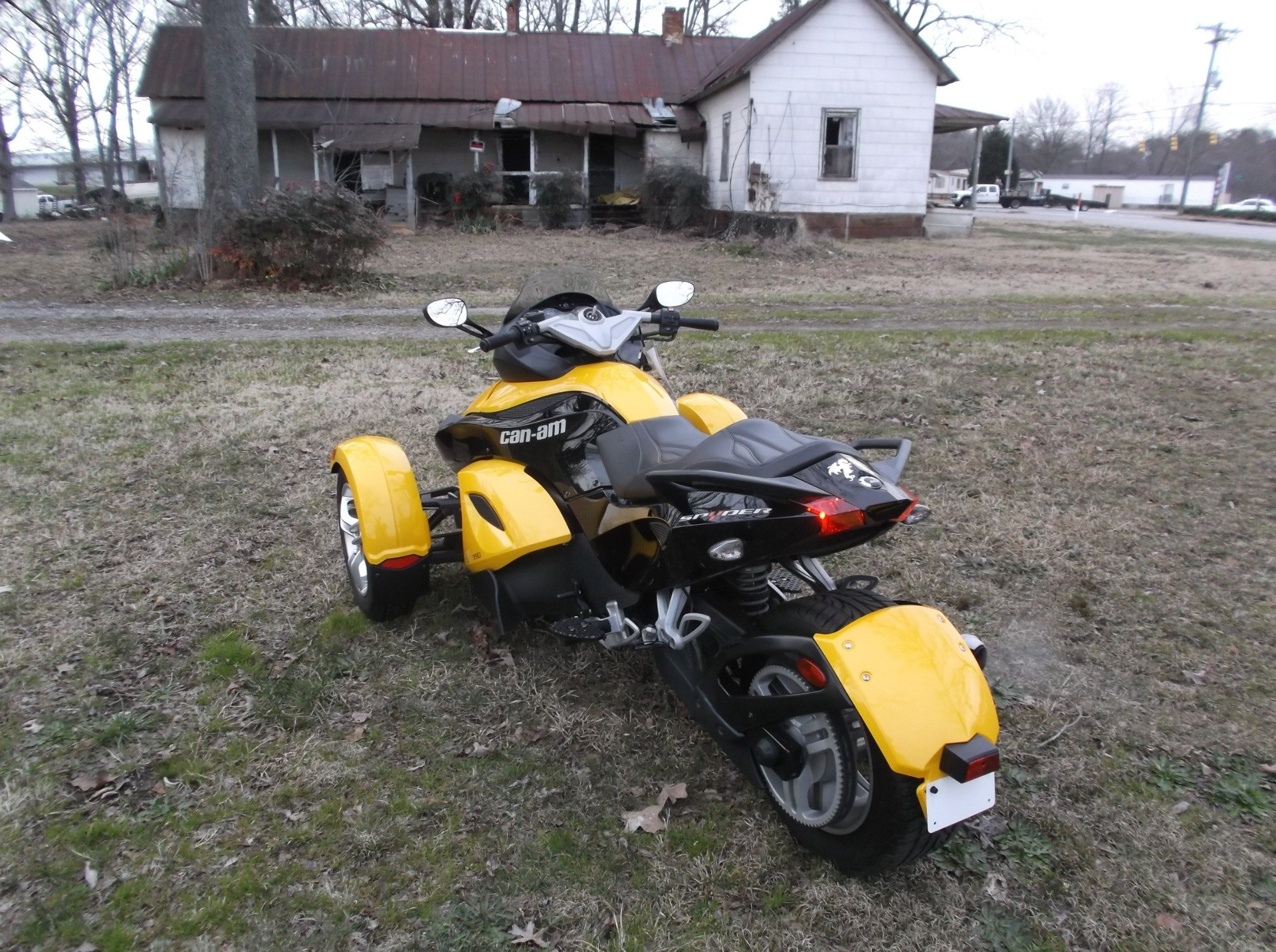 2009 Can-Am™ Spyder GS Roadster with SE5 Transmission (semi aut 9