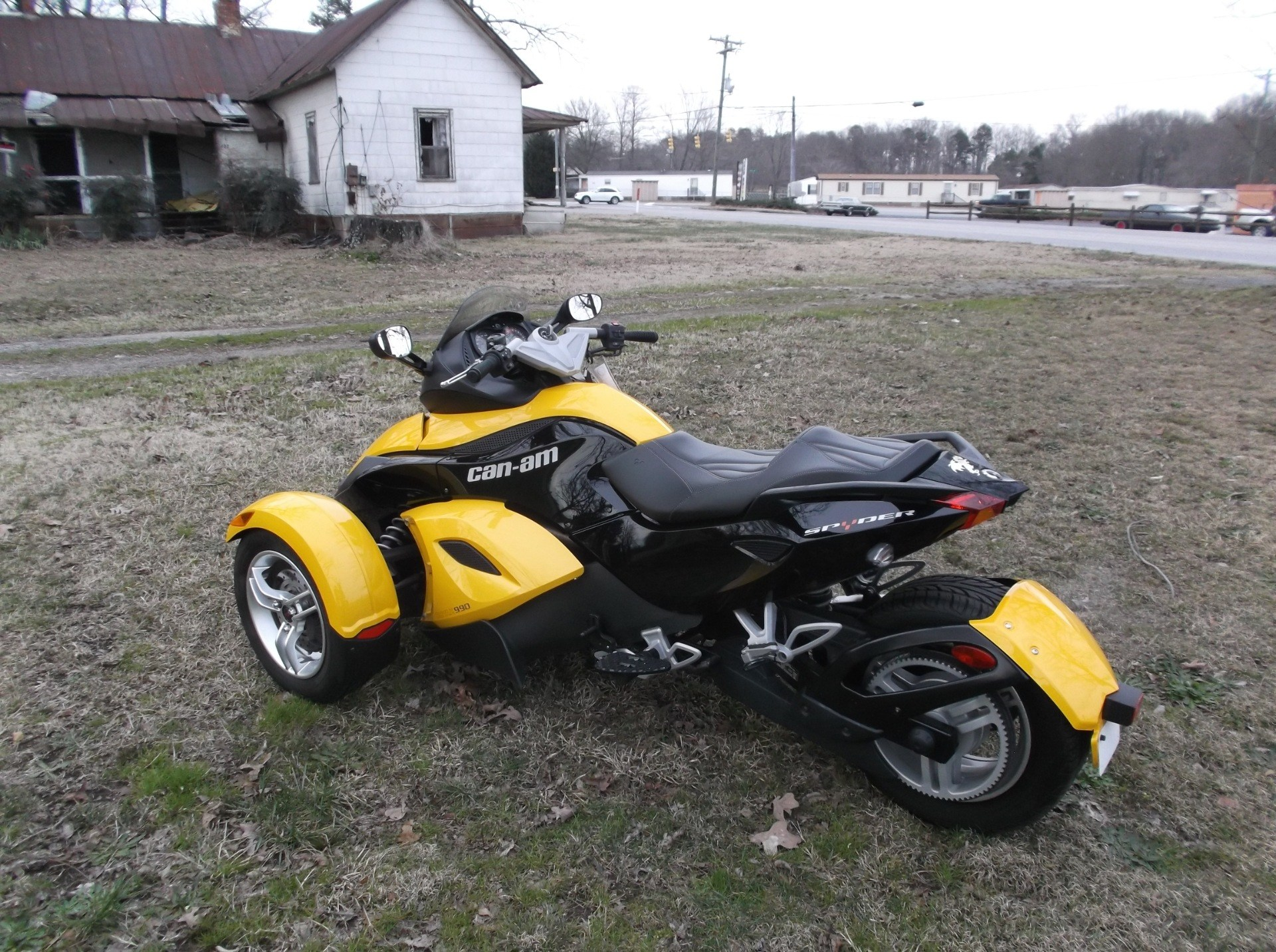 2009 Can-Am™ Spyder GS Roadster with SE5 Transmission (semi aut 10