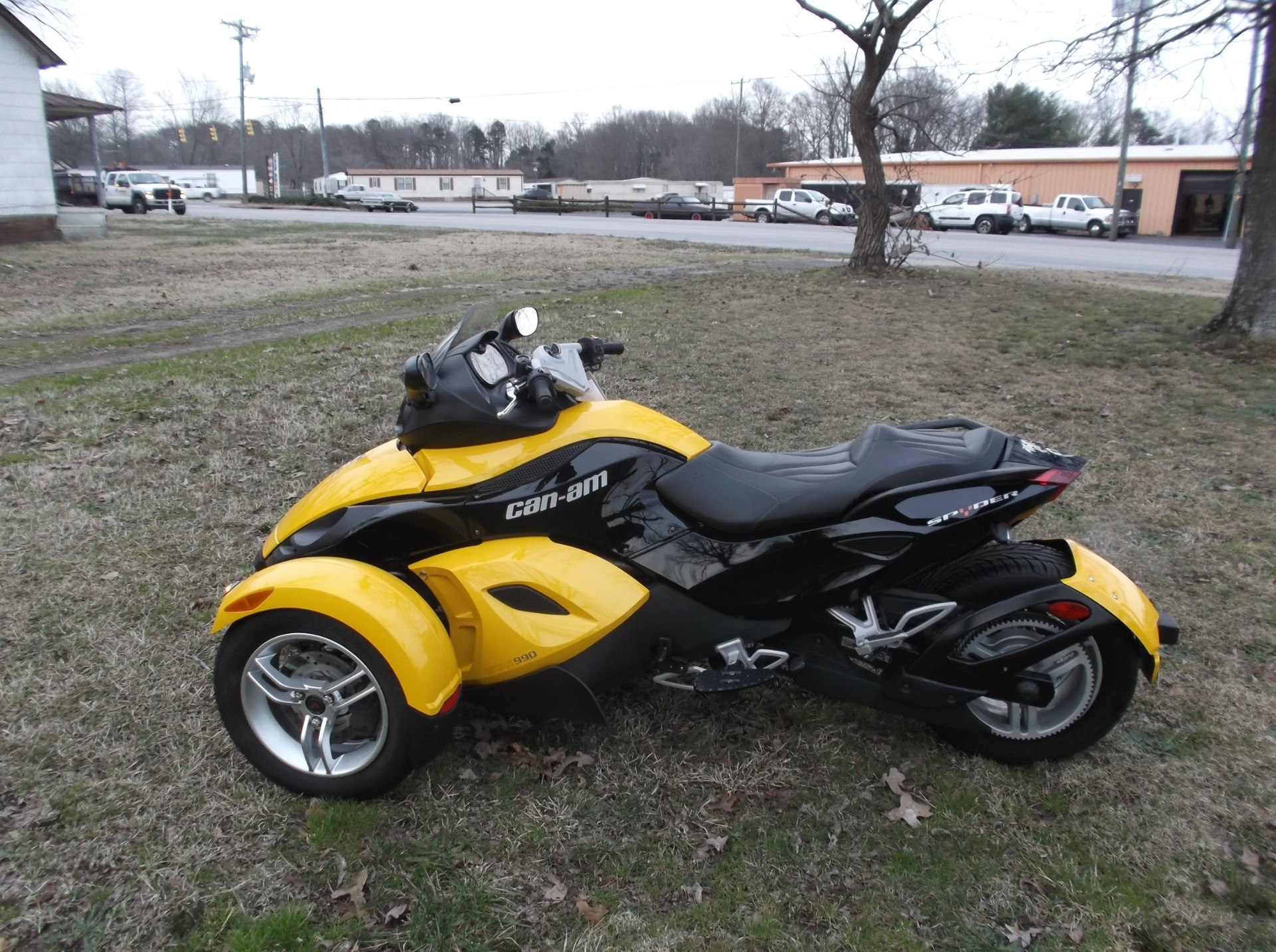 2009 Can-Am™ Spyder GS Roadster with SE5 Transmission (semi aut 11
