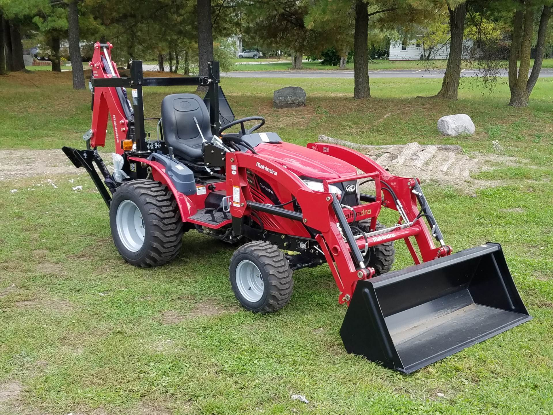2016 Mahindra eMax 25 HST in Mount Pleasant, Michigan