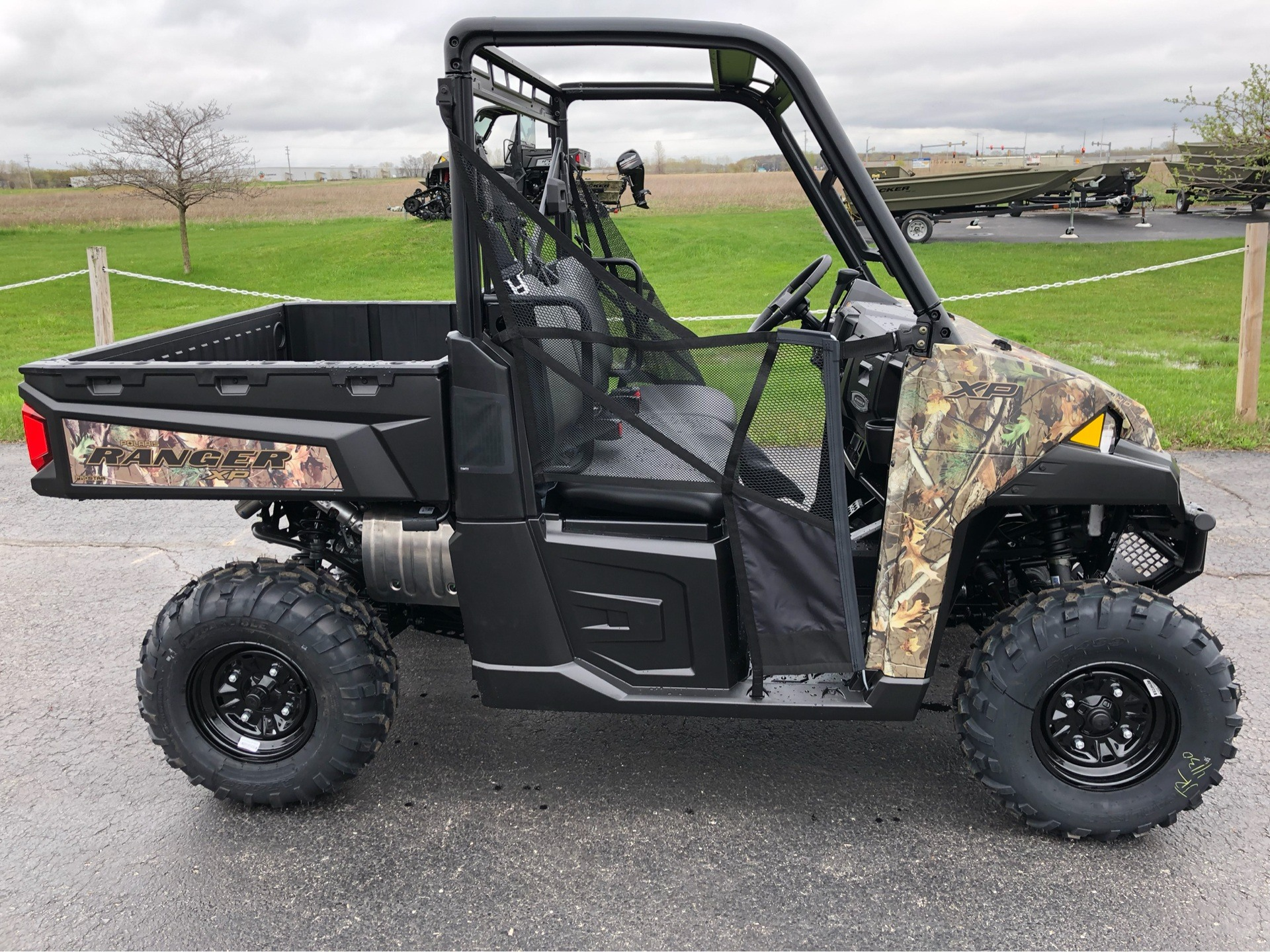 2019 Polaris Ranger XP 900 in Appleton, Wisconsin - Photo 2