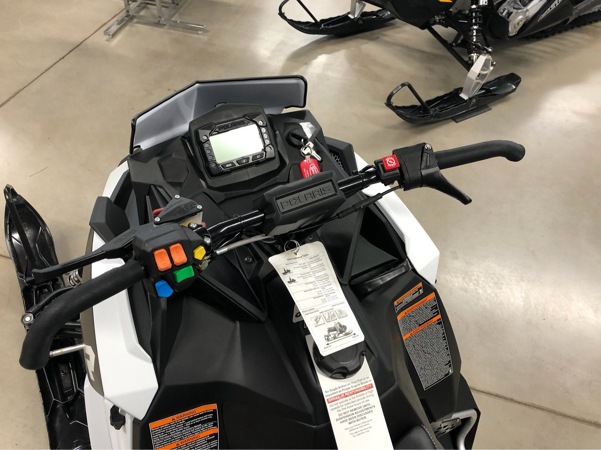 2018 Polaris 600 RUSH XCR SnowCheck Select in Appleton, Wisconsin - Photo 4