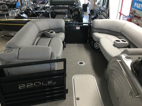 2017 Regency 220 LE3 Sport in Appleton, Wisconsin