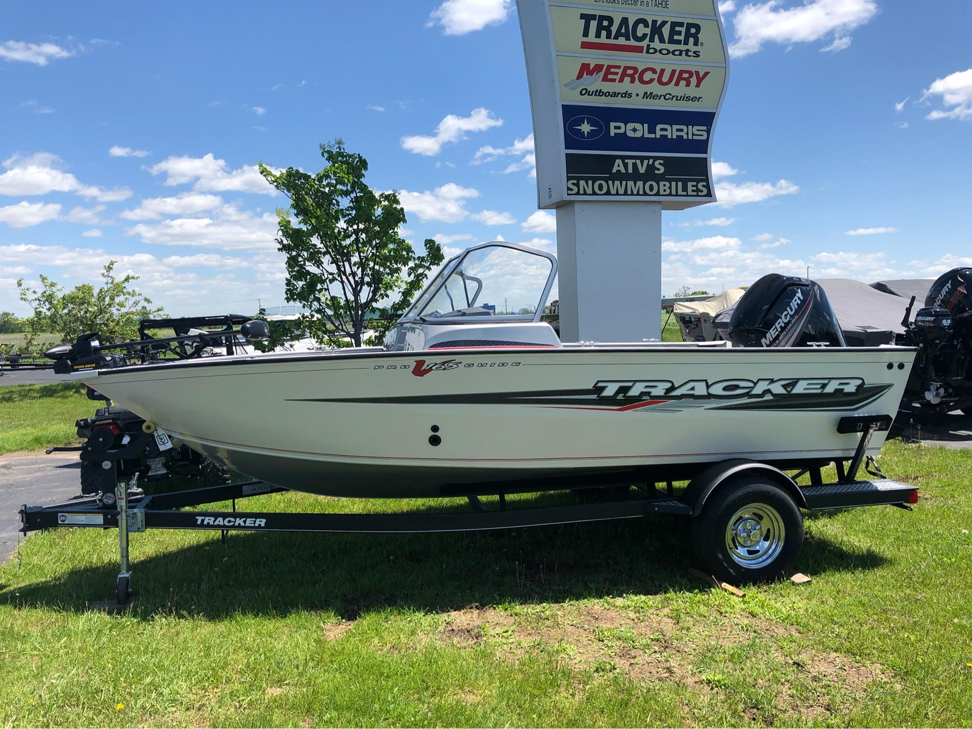 2019 Tracker Pro Guide V-165 WT in Appleton, Wisconsin - Photo 2