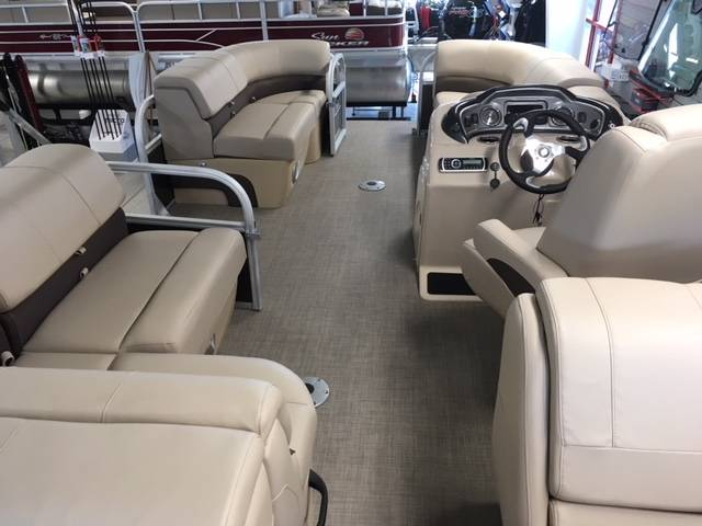 2019 Sun Tracker Party Barge 22 DLX in Appleton, Wisconsin - Photo 4