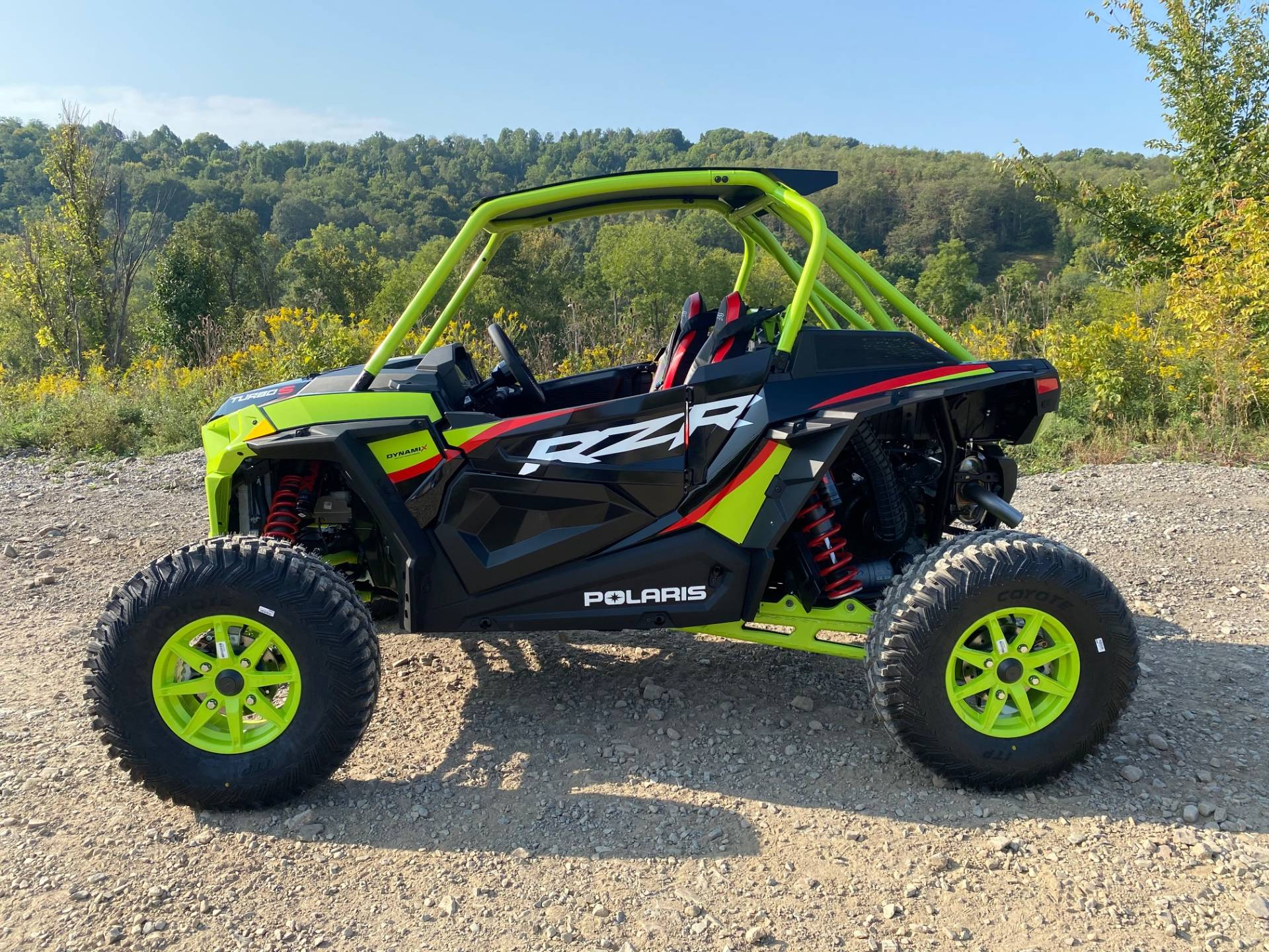 2021 Polaris RZR Turbo S Lifted Lime LE in Claysville, Pennsylvania - Photo 2