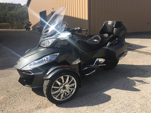 2017 Can-Am Spyder RT Limited in Claysville, Pennsylvania
