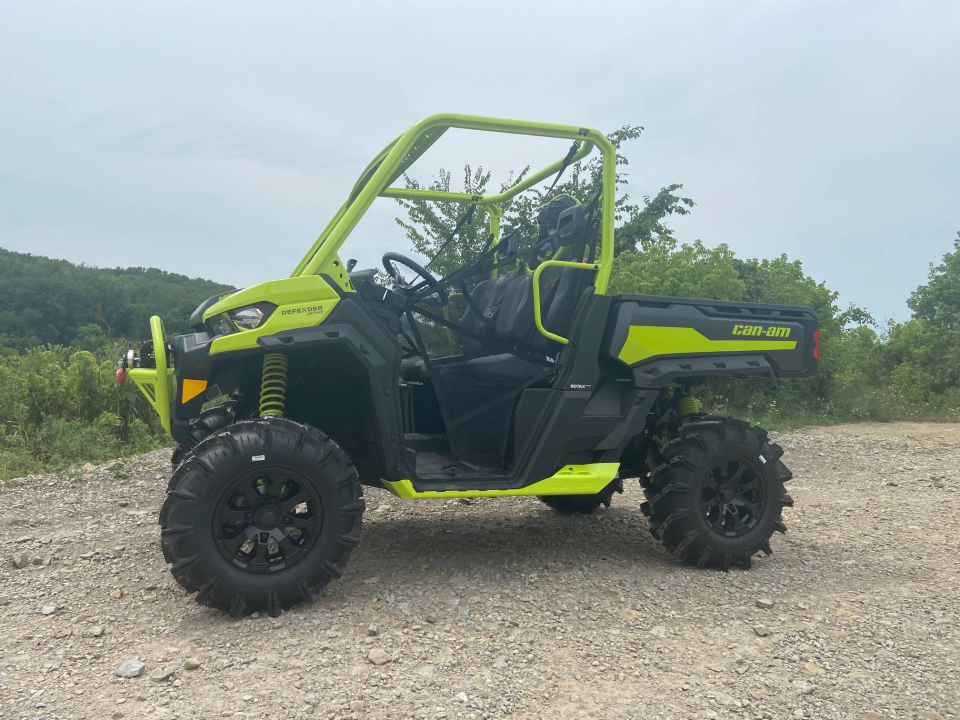 2020 Can-Am Defender X MR HD10 in Claysville, Pennsylvania - Photo 2