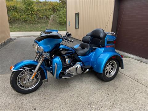 2011 Harley-Davidson Tri Glide® Ultra Classic® in Claysville, Pennsylvania - Photo 2