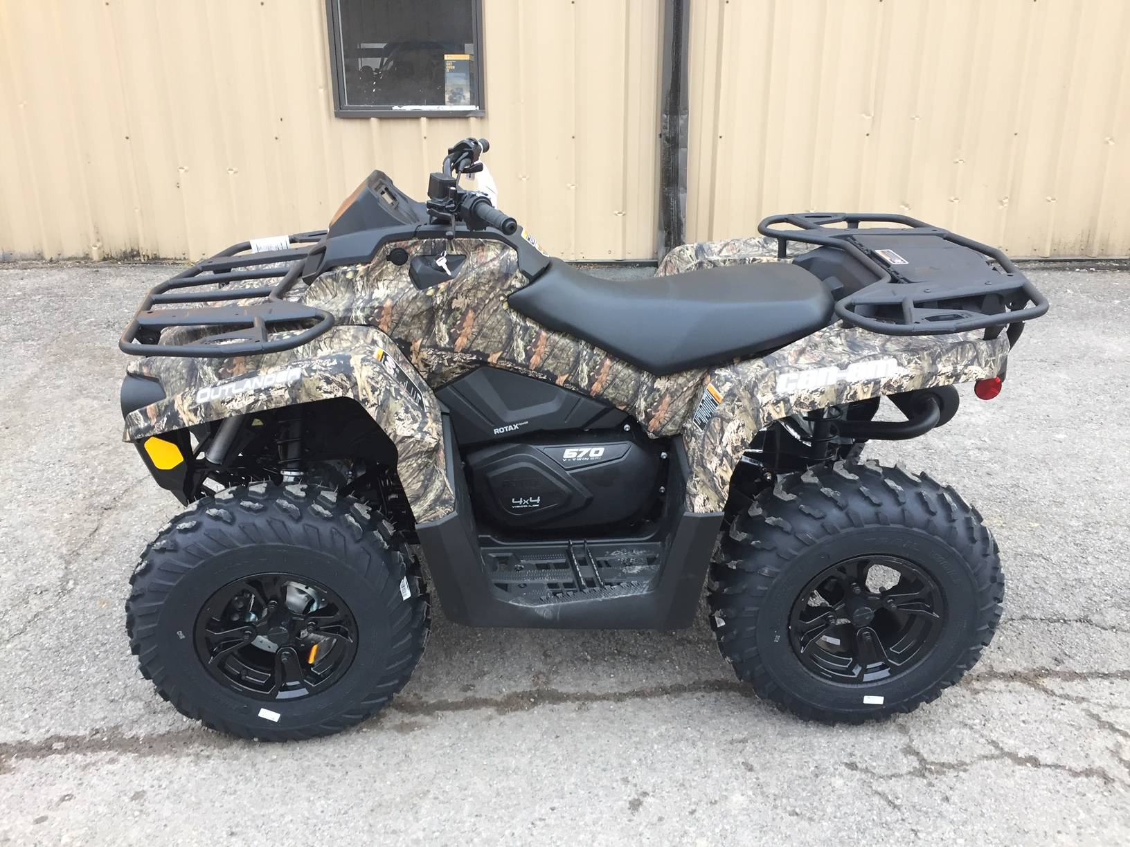2019 Can-Am Outlander DPS 570 in Claysville, Pennsylvania - Photo 1