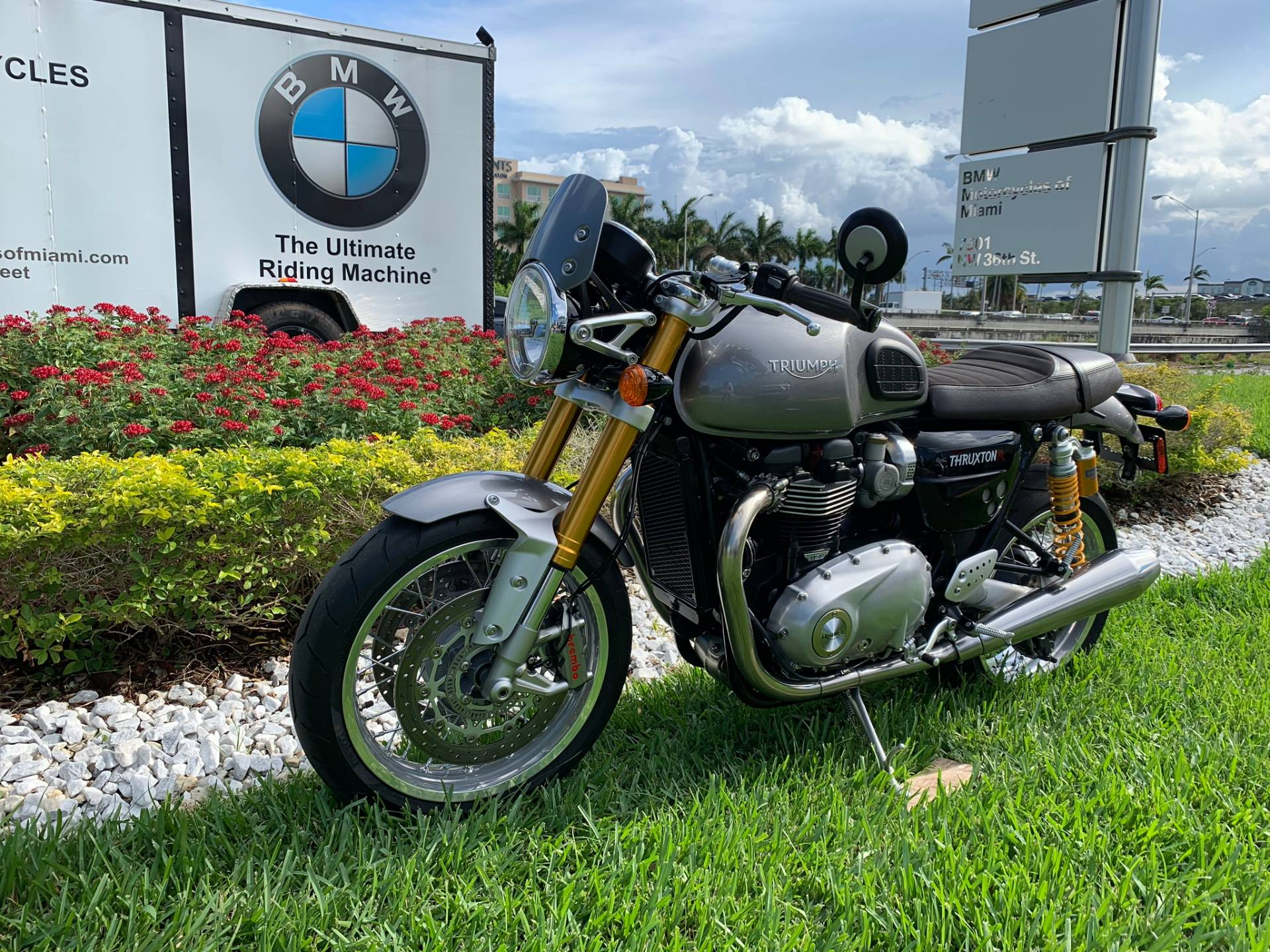 Used 2016 Triumph Thruxton 1200 R for sale,  2016 Triumph Thruxton 1200R for sale,  Triumph Thruxton1200R,  Used ThruxtonR, Cafe. Cruiser, BMW Motorcycles of Miami, Motorcycles of Miami, Motorcycles Miami, New Motorcycles, Used Motorcycles, pre-owned. #BMWMotorcyclesOfMiami #MotorcyclesOfMiami #Moto - Photo 5