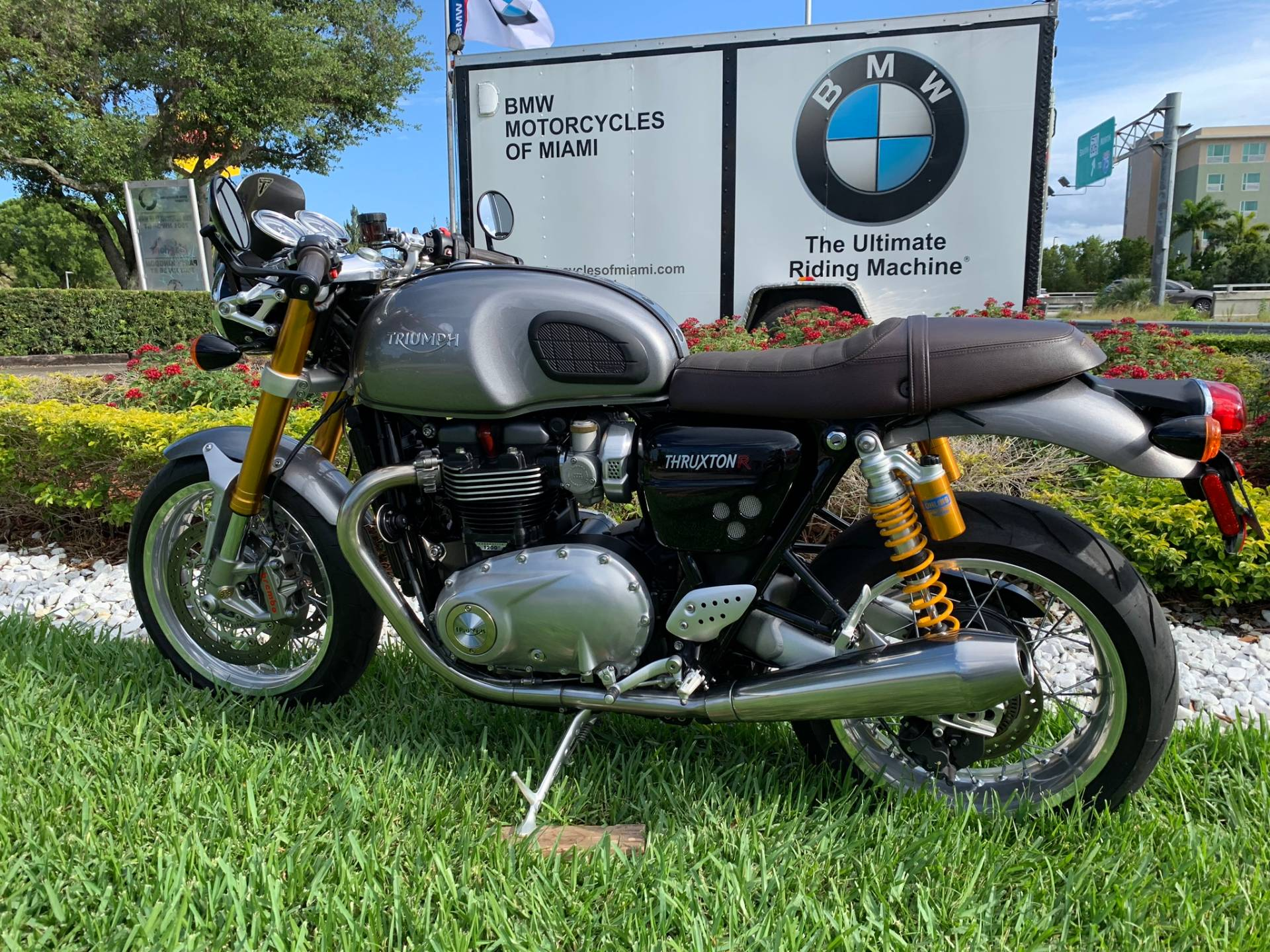 Used 2016 Triumph Thruxton 1200 R for sale,  2016 Triumph Thruxton 1200R for sale,  Triumph Thruxton1200R,  Used ThruxtonR, Cafe. Cruiser, BMW Motorcycles of Miami, Motorcycles of Miami, Motorcycles Miami, New Motorcycles, Used Motorcycles, pre-owned. #BMWMotorcyclesOfMiami #MotorcyclesOfMiami #Moto - Photo 8