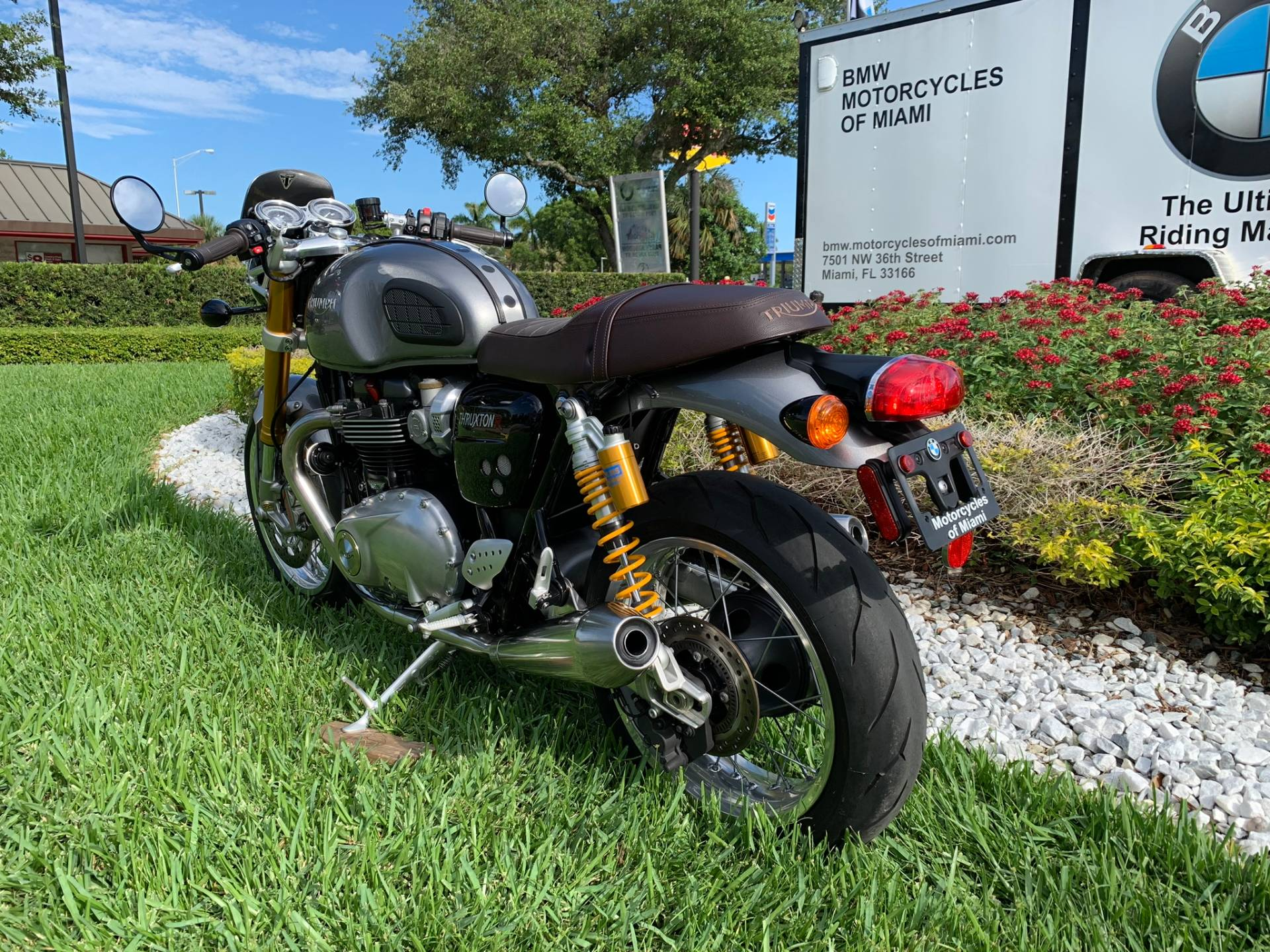 Used 2016 Triumph Thruxton 1200 R for sale,  2016 Triumph Thruxton 1200R for sale,  Triumph Thruxton1200R,  Used ThruxtonR, Cafe. Cruiser, BMW Motorcycles of Miami, Motorcycles of Miami, Motorcycles Miami, New Motorcycles, Used Motorcycles, pre-owned. #BMWMotorcyclesOfMiami #MotorcyclesOfMiami #Moto - Photo 10