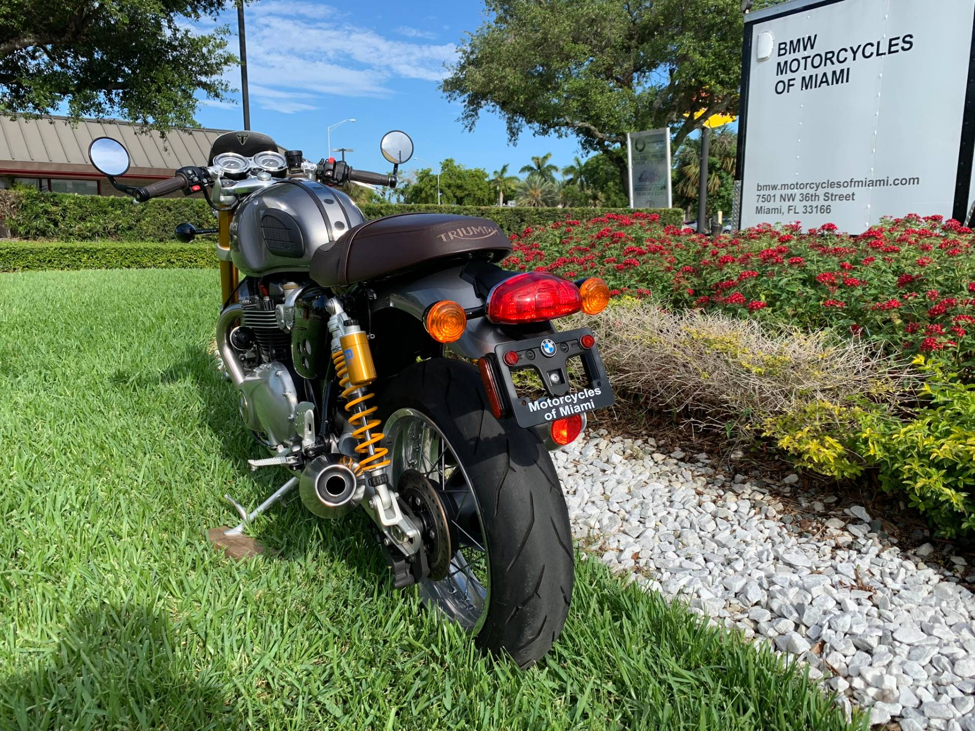 Used 2016 Triumph Thruxton 1200 R for sale,  2016 Triumph Thruxton 1200R for sale,  Triumph Thruxton1200R,  Used ThruxtonR, Cafe. Cruiser, BMW Motorcycles of Miami, Motorcycles of Miami, Motorcycles Miami, New Motorcycles, Used Motorcycles, pre-owned. #BMWMotorcyclesOfMiami #MotorcyclesOfMiami #Moto - Photo 11