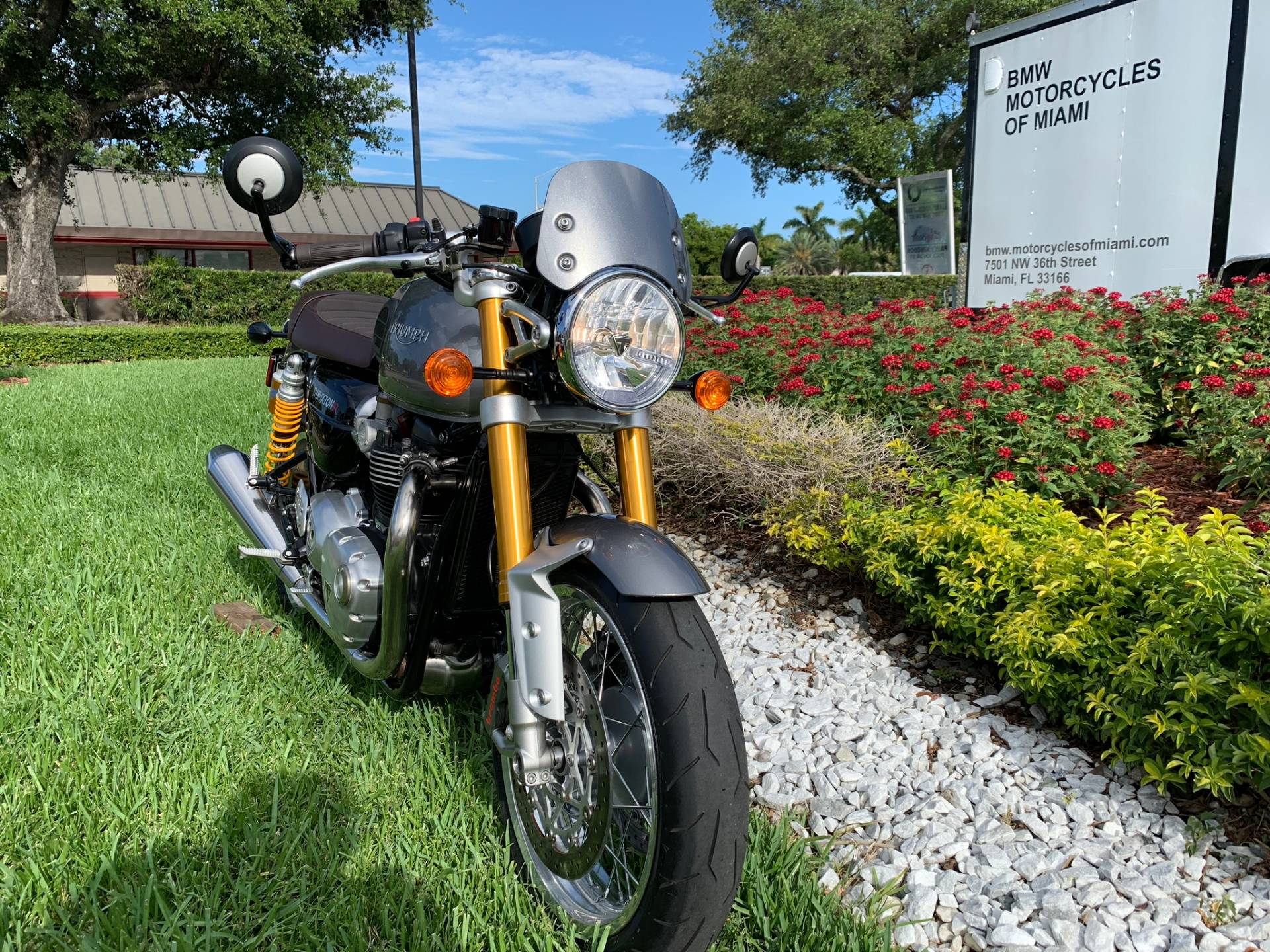 Used 2016 Triumph Thruxton 1200 R for sale,  2016 Triumph Thruxton 1200R for sale,  Triumph Thruxton1200R,  Used ThruxtonR, Cafe. Cruiser, BMW Motorcycles of Miami, Motorcycles of Miami, Motorcycles Miami, New Motorcycles, Used Motorcycles, pre-owned. #BMWMotorcyclesOfMiami #MotorcyclesOfMiami #Moto - Photo 26