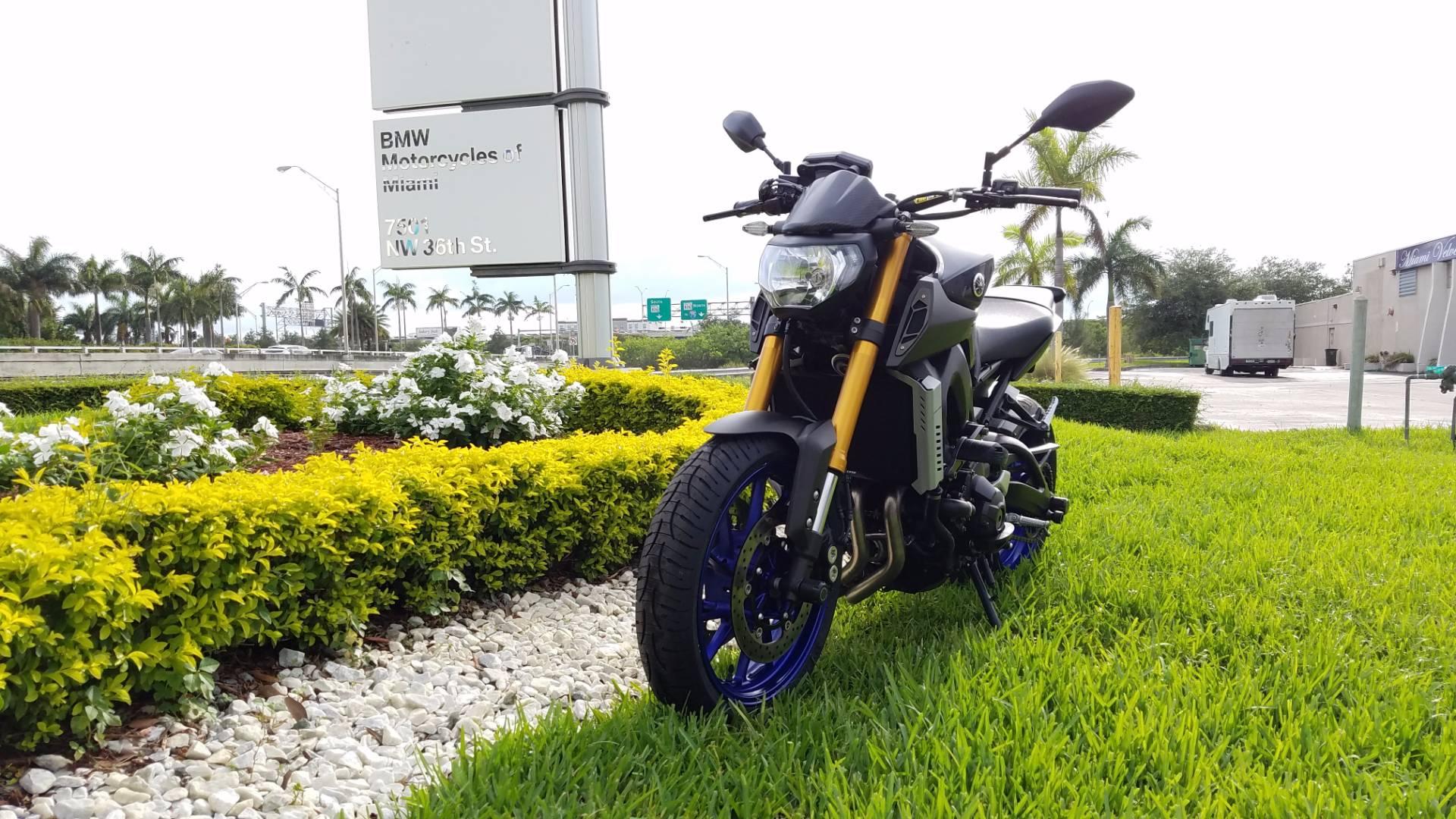 2014 Yamaha FZ-09 2