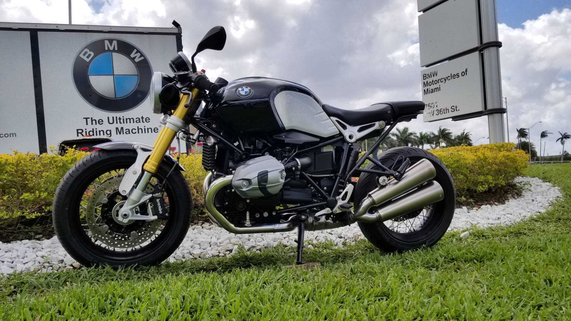 Used 2017 BMW R nine T For Sale, Pre owned BMW R nineT For Sale, BMW Motorcycle RnineT, BMW Motorcycles of Miami, Motorcycles of Miami, Motorcycles Miami - Photo 6