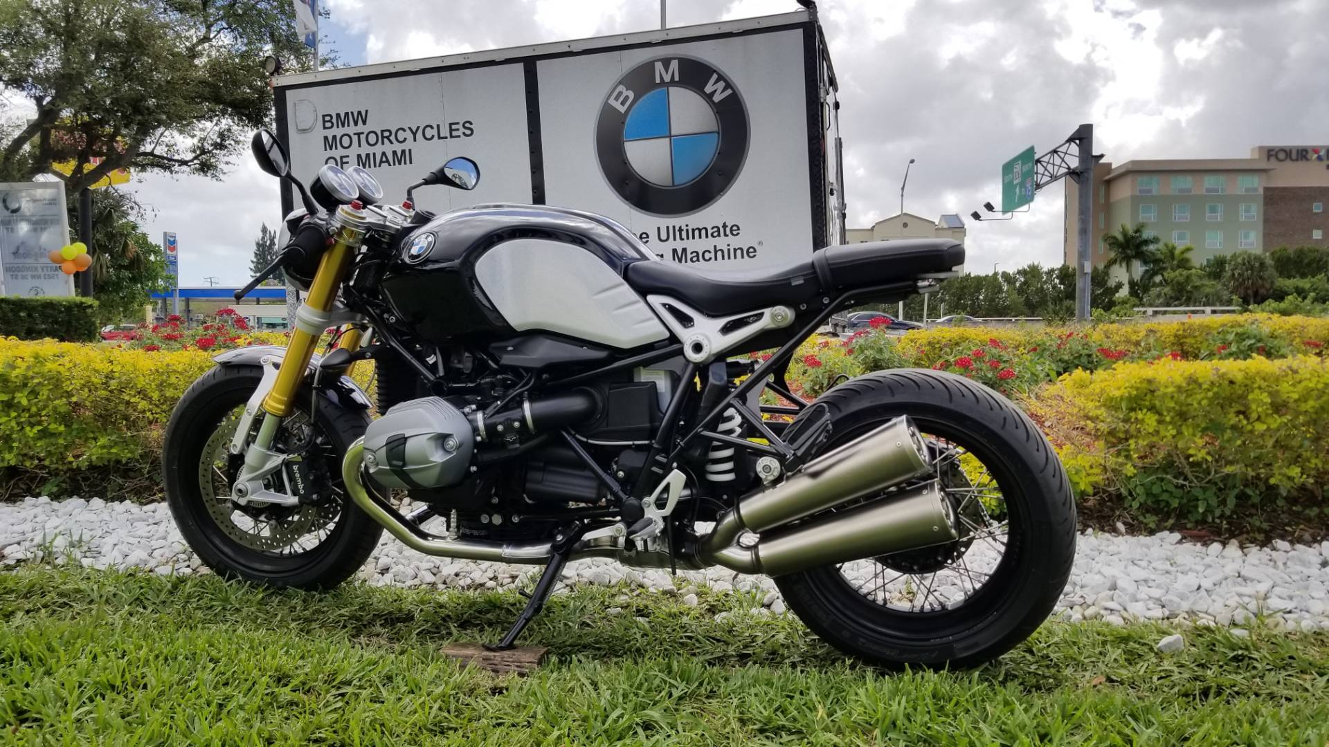 Used 2017 BMW R nine T For Sale, Pre owned BMW R nineT For Sale, BMW Motorcycle RnineT, BMW Motorcycles of Miami, Motorcycles of Miami, Motorcycles Miami - Photo 8