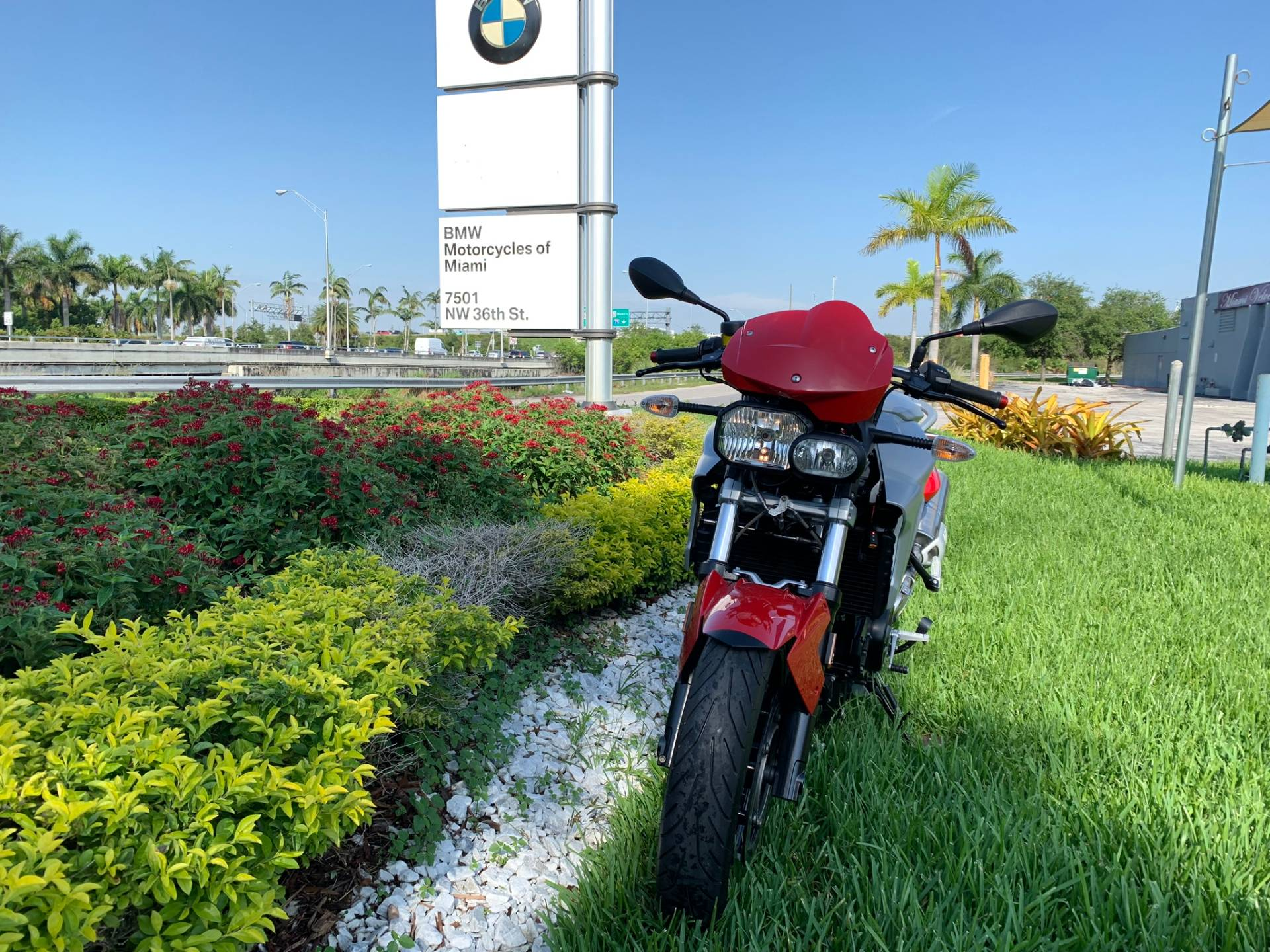 Used 2012 BMW F 800 R for sale, BMW F 800R for sale, BMW Motorcycle F800R, used BMW Roaster, Naked, 800, BMW. BMW Motorcycles of Miami, Motorcycles of Miami, Motorcycles Miami, New Motorcycles, Used Motorcycles, pre-owned. #BMWMotorcyclesOfMiami #MotorcyclesOfMiami. - Photo 2