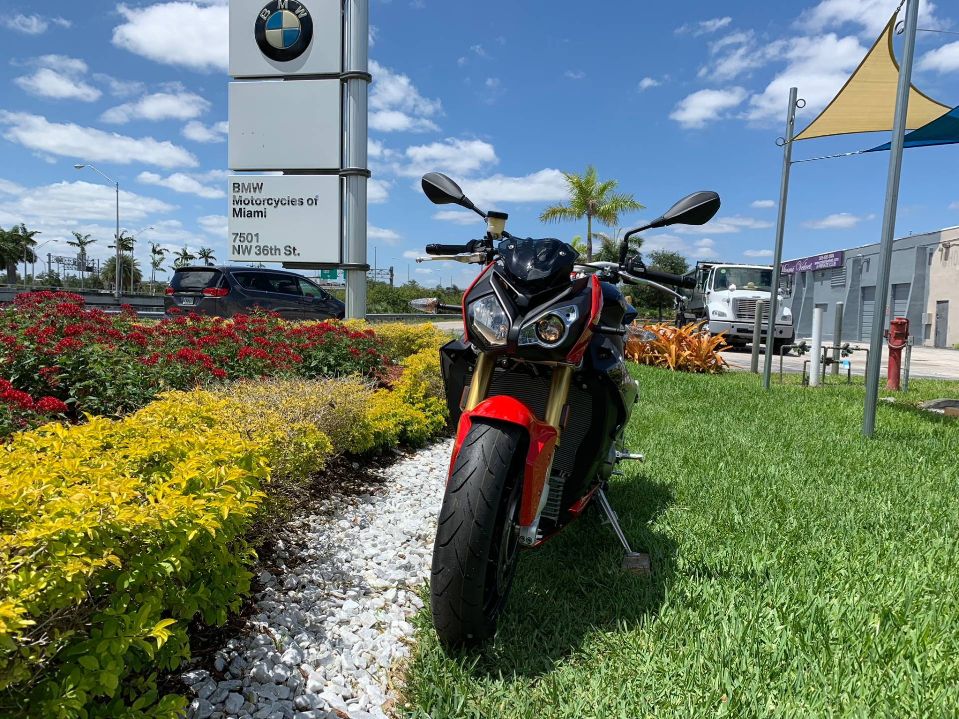 New 2019 BMW S 1000 R for sale, BMW S 1000R for sale, BMW Motorcycle S1000R, new BMW R, Sport, roadster, naked. BMW Motorcycles of Miami, Motorcycles of Miami, Motorcycles Miami, New Motorcycles, Used Motorcycles, pre-owned. #BMWMotorcyclesOfMiami #MotorcyclesOfMiami #MotorcyclesMiami - Photo 3