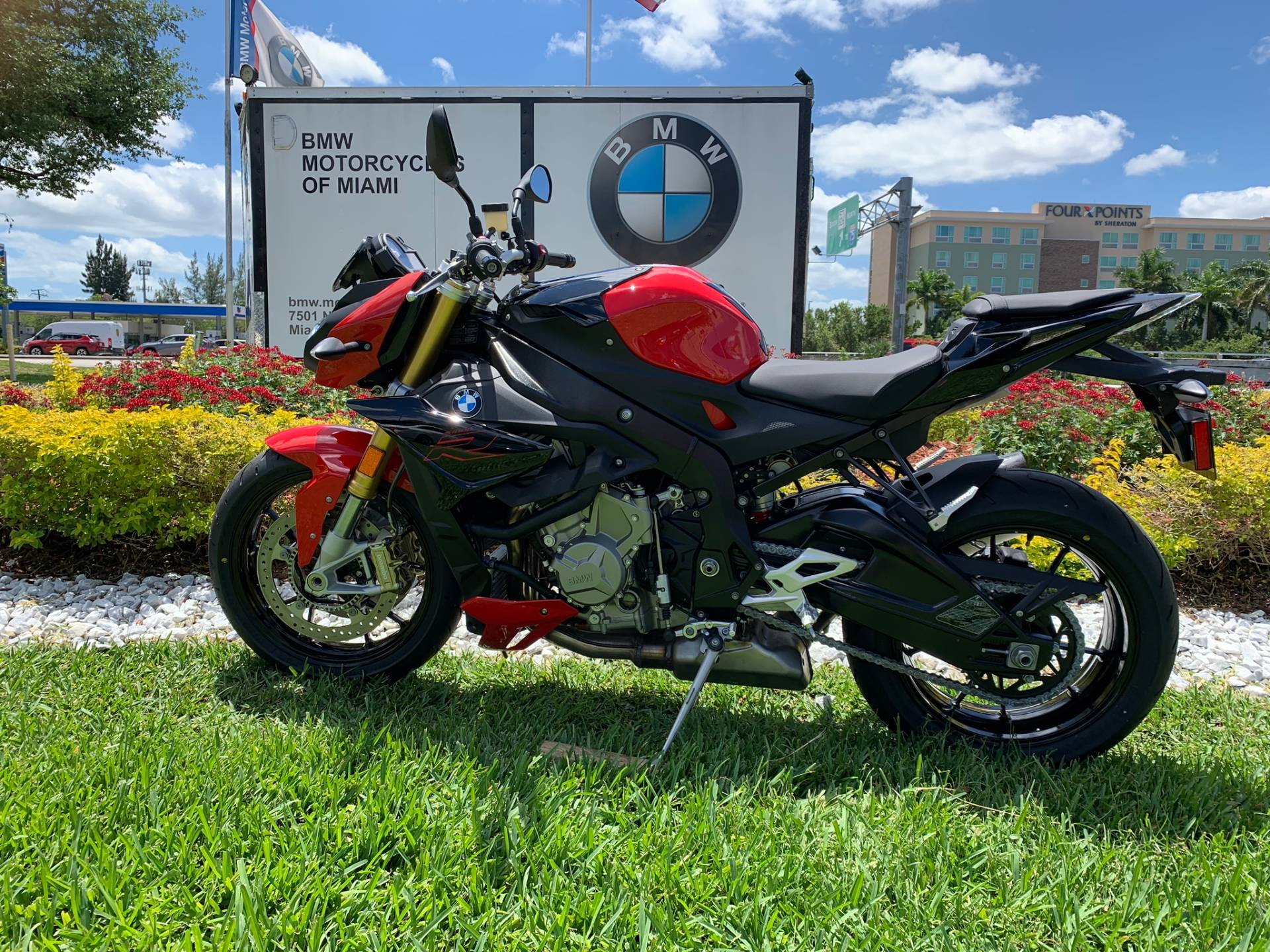 New 2019 BMW S 1000 R for sale, BMW S 1000R for sale, BMW Motorcycle S1000R, new BMW R, Sport, roadster, naked. BMW Motorcycles of Miami, Motorcycles of Miami, Motorcycles Miami, New Motorcycles, Used Motorcycles, pre-owned. #BMWMotorcyclesOfMiami #MotorcyclesOfMiami #MotorcyclesMiami - Photo 8