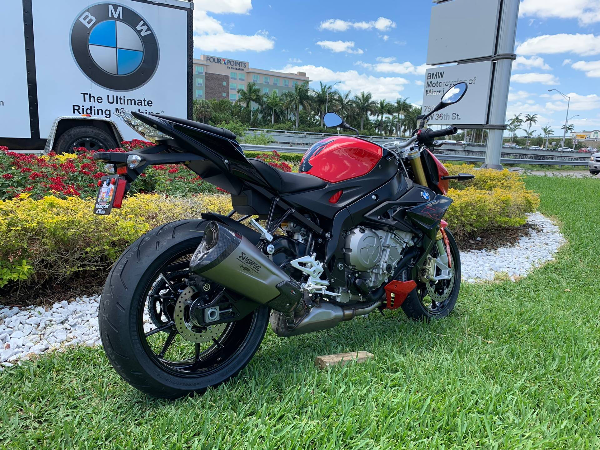 New 2019 BMW S 1000 R for sale, BMW S 1000R for sale, BMW Motorcycle S1000R, new BMW R, Sport, roadster, naked. BMW Motorcycles of Miami, Motorcycles of Miami, Motorcycles Miami, New Motorcycles, Used Motorcycles, pre-owned. #BMWMotorcyclesOfMiami #MotorcyclesOfMiami #MotorcyclesMiami - Photo 22