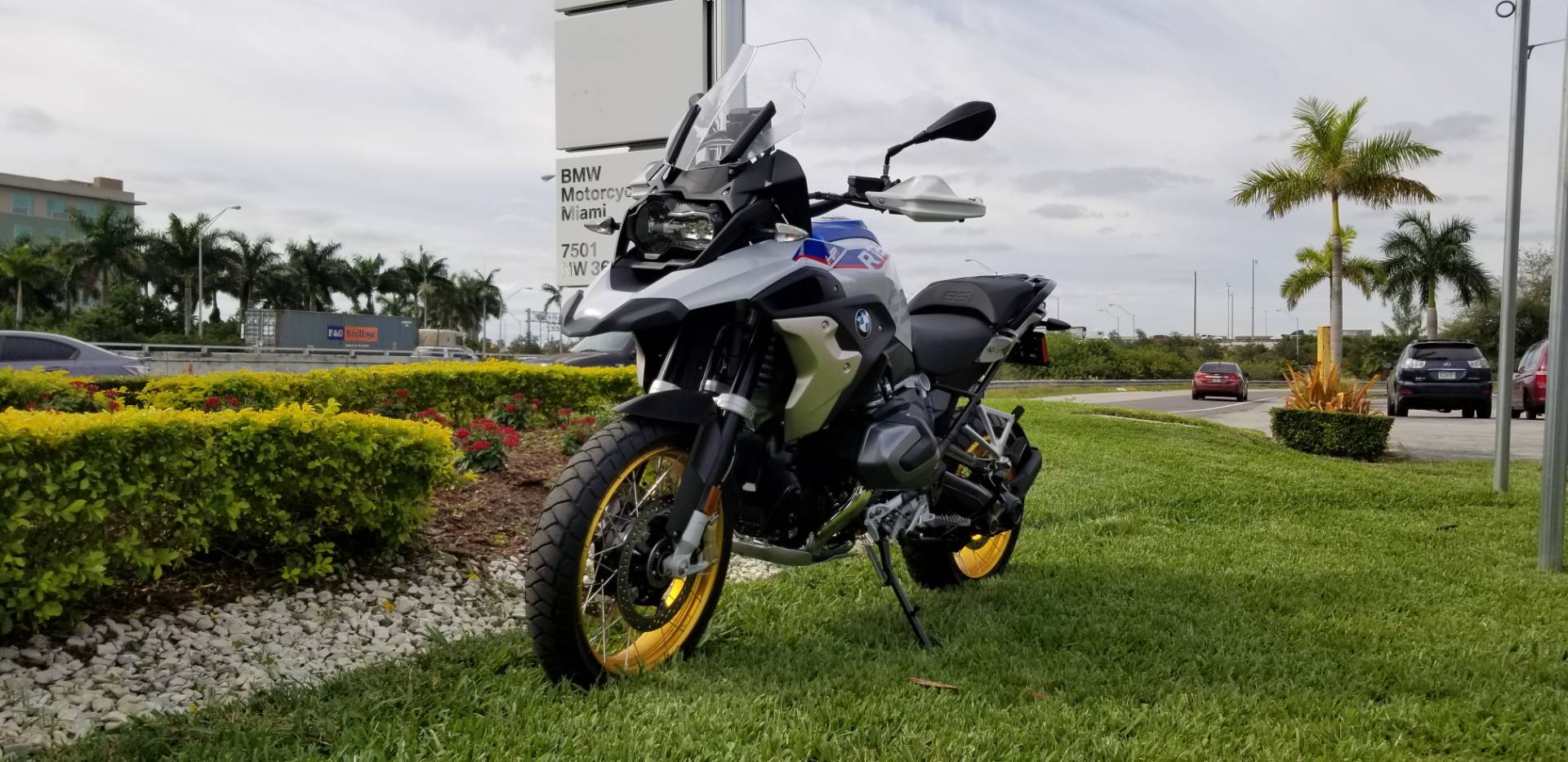 New 2019 BMW R 1250 GS for sale, New BMW for sale R 1250GS, New BMW Motorcycle R1250GS for sale, new BMW 1250GS, R1250GS, GS. BMW Motorcycles of Miami, Motorcycles of Miami, Motorcycles Miami, New Motorcycles, Used Motorcycles, pre-owned. #BMWMotorcyclesOfMiami #MotorcyclesOfMiami. - Photo 2