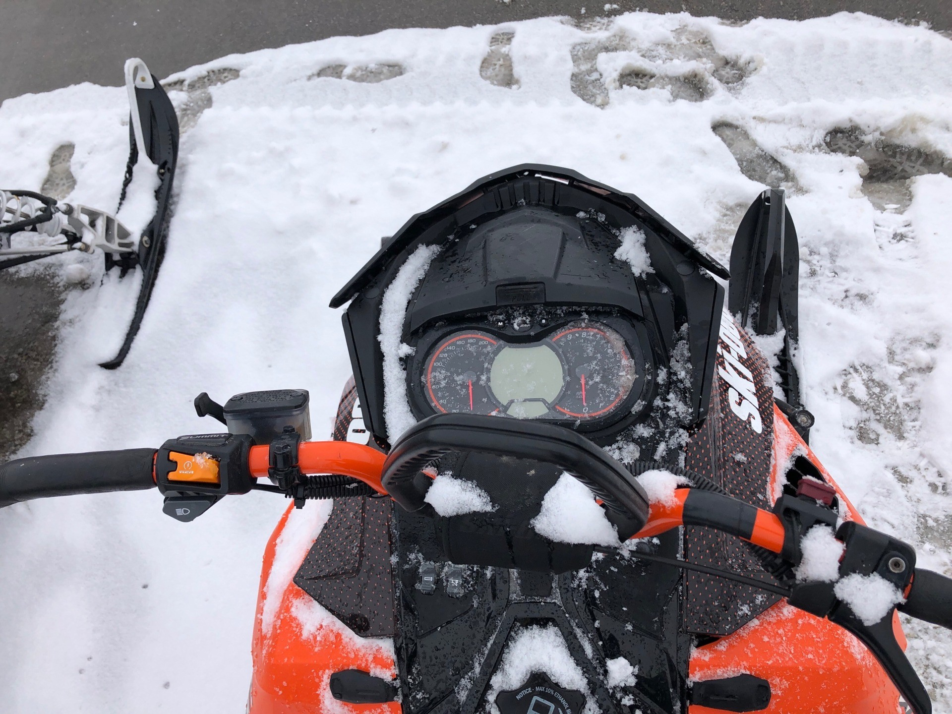 "2015 Ski-Doo Summit® X® 154 800R E-TEC®, PowderMax 2.5"" in Mason City, Iowa - Photo 3"