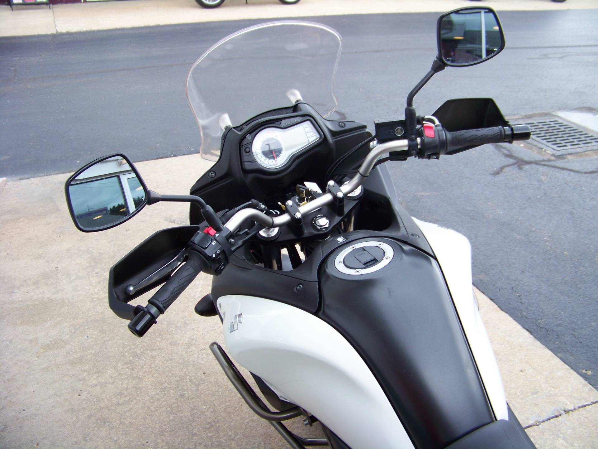 2012 Suzuki V-Strom 650 ABS Adventure in Mount Vernon, Ohio