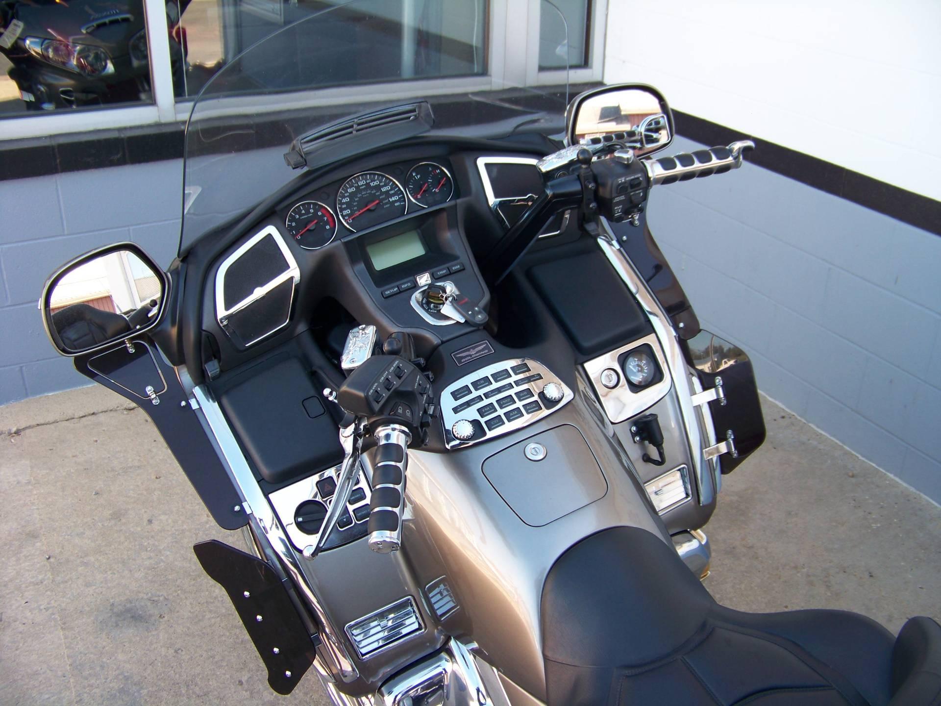 2006 Honda Gold Wing Premium Audio 5