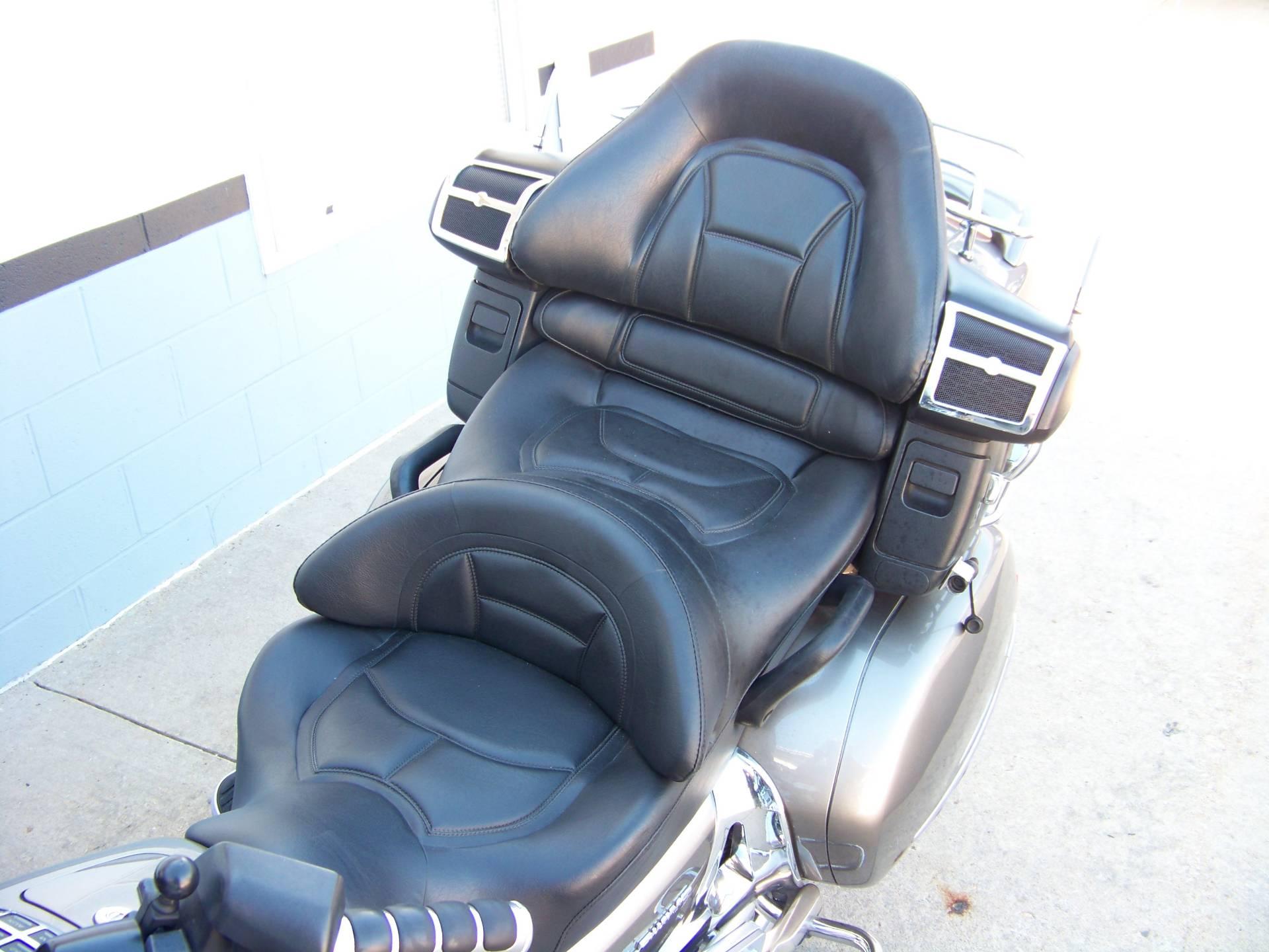 2006 Honda Gold Wing Premium Audio 6