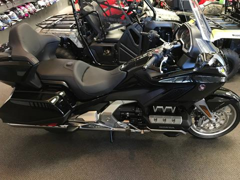 2019 Honda Gold Wing Tour Automatic DCT in Sterling, Illinois - Photo 2