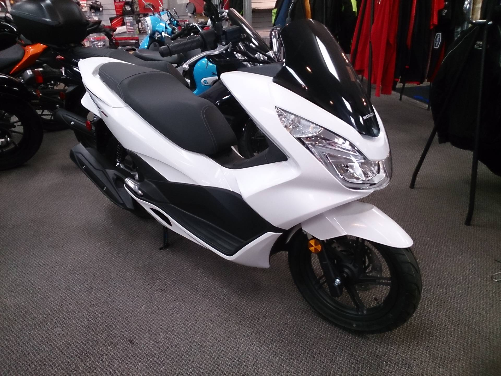 Honda Pcx 150 >> 2018 Honda Pcx150 Scooters Sterling Illinois N A