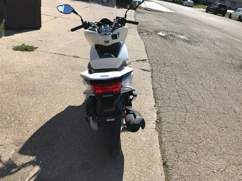 2018 Honda PCX150 in Sterling, Illinois - Photo 4